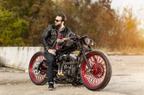 Harley Bobber with 23 inch wheels.